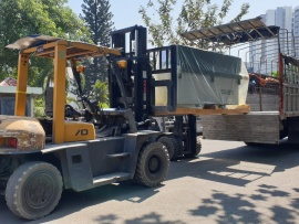 Khách hàng tại Campuchia sử dụng Máy dán cạnh Felder G480 và Máy khoan dàn FD21